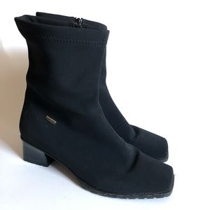 ARA Black gortex zip up bootie/ 7.5